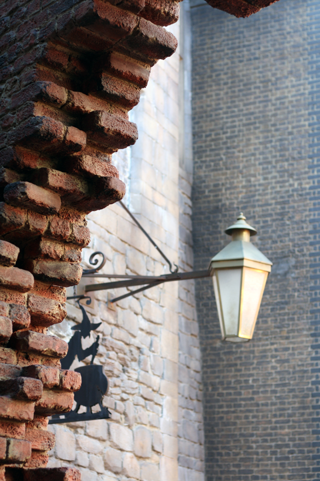 moving bricks harry potter