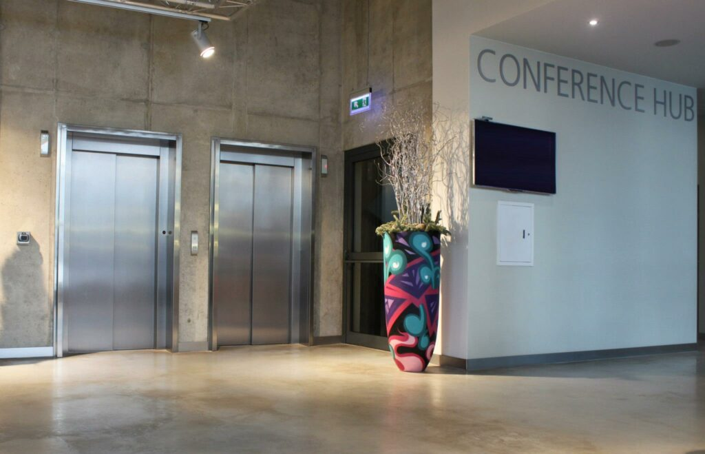 vases for Comfort Hotel Vilnius Lithuania - Yolocone