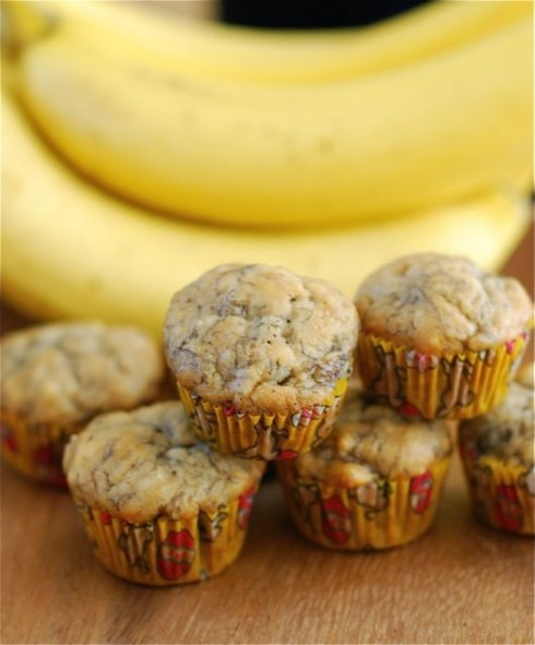 Mini Banana Muffins via The Naptime Chef