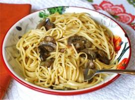 Quick Mushroom & Bacon Carbonara via The Naptime Chef