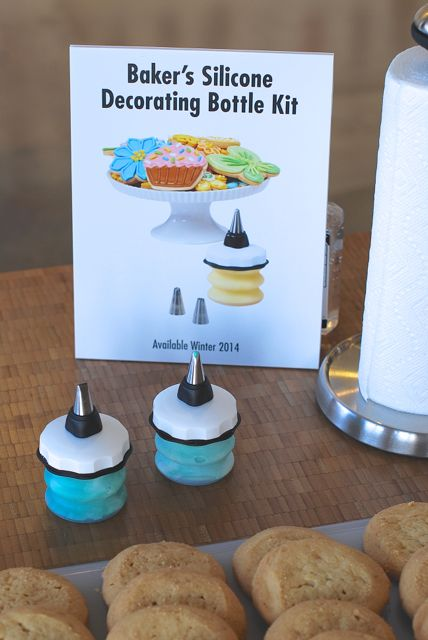 OXO Decorating Kit