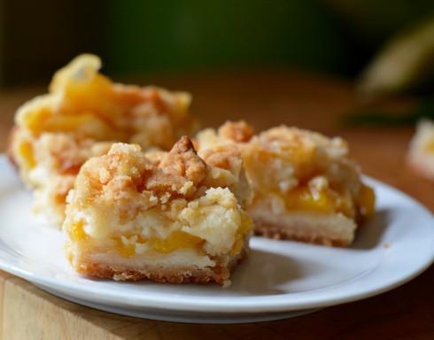 Peach Crumble Bars | The Naptime Chef