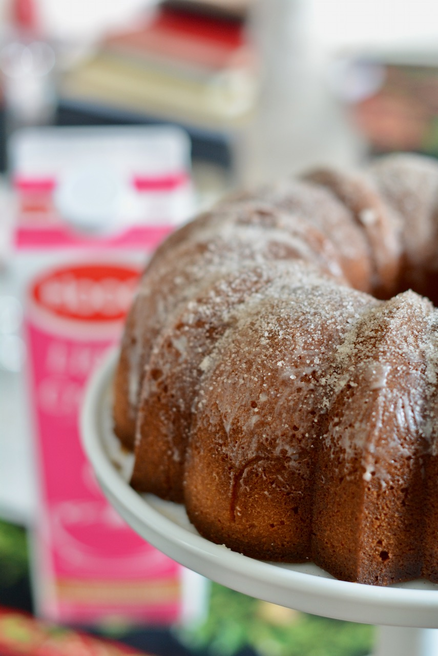 Snickerdoodle Cream Bundt Cake