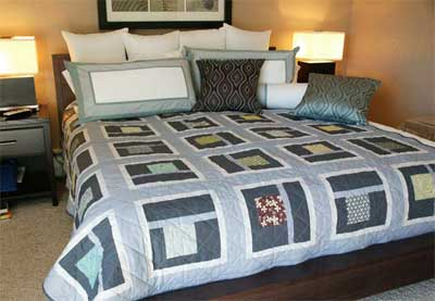 Urban-Neighborhood-FREE-Bed-Quilt-Pattern