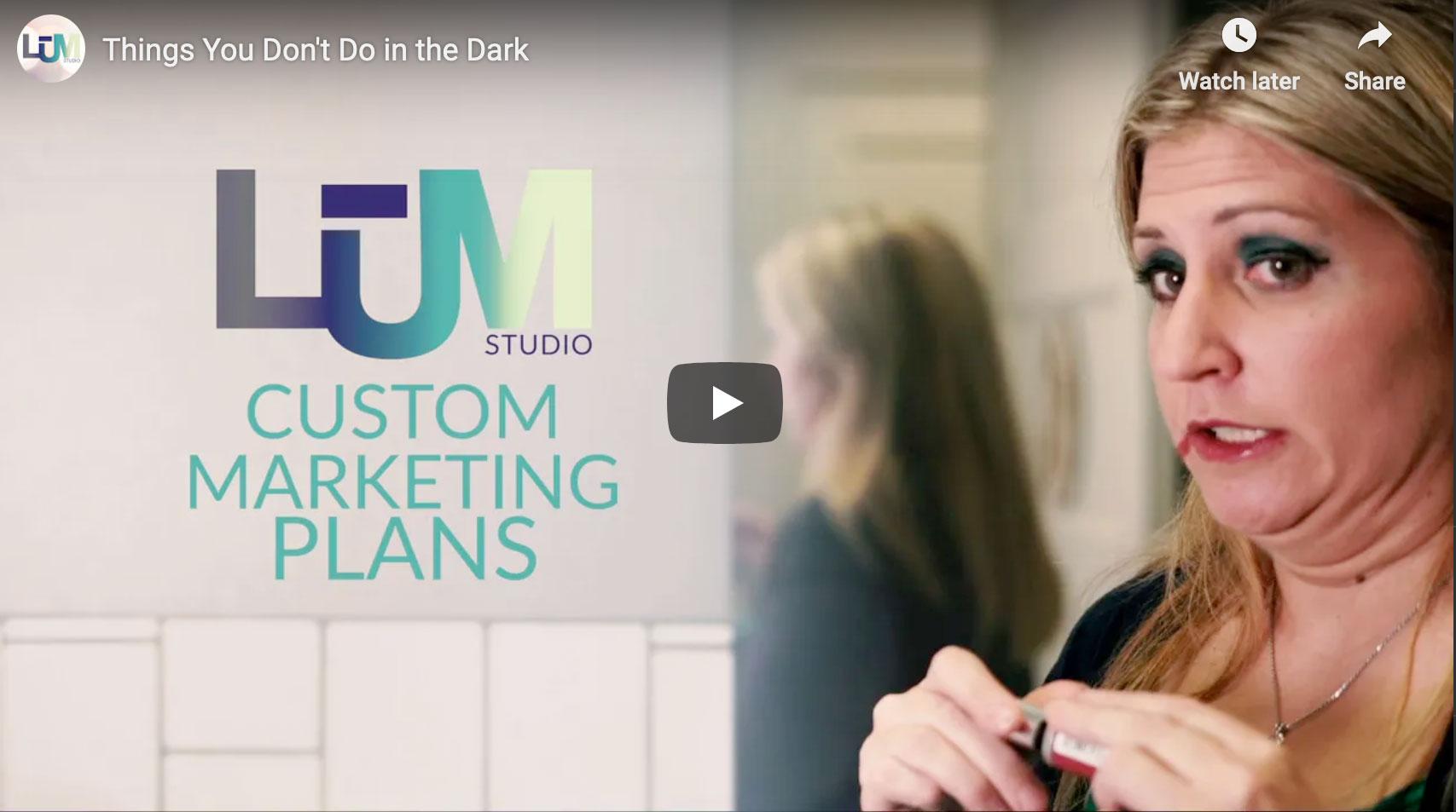 LUM_MarketDark_videoscreen
