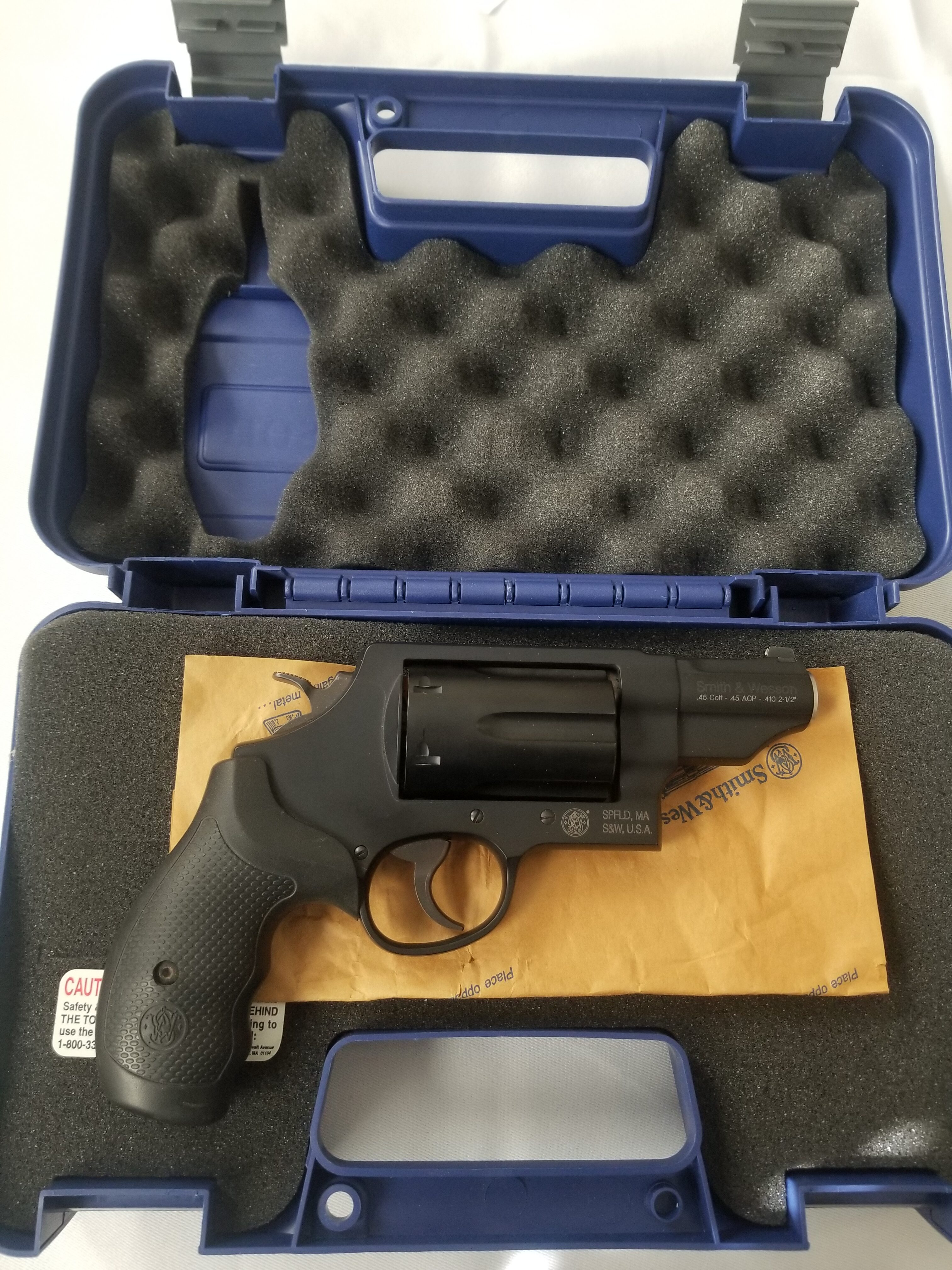 Smith & Wesson Governor .45 Colt and .410 2-1/2 Revolver