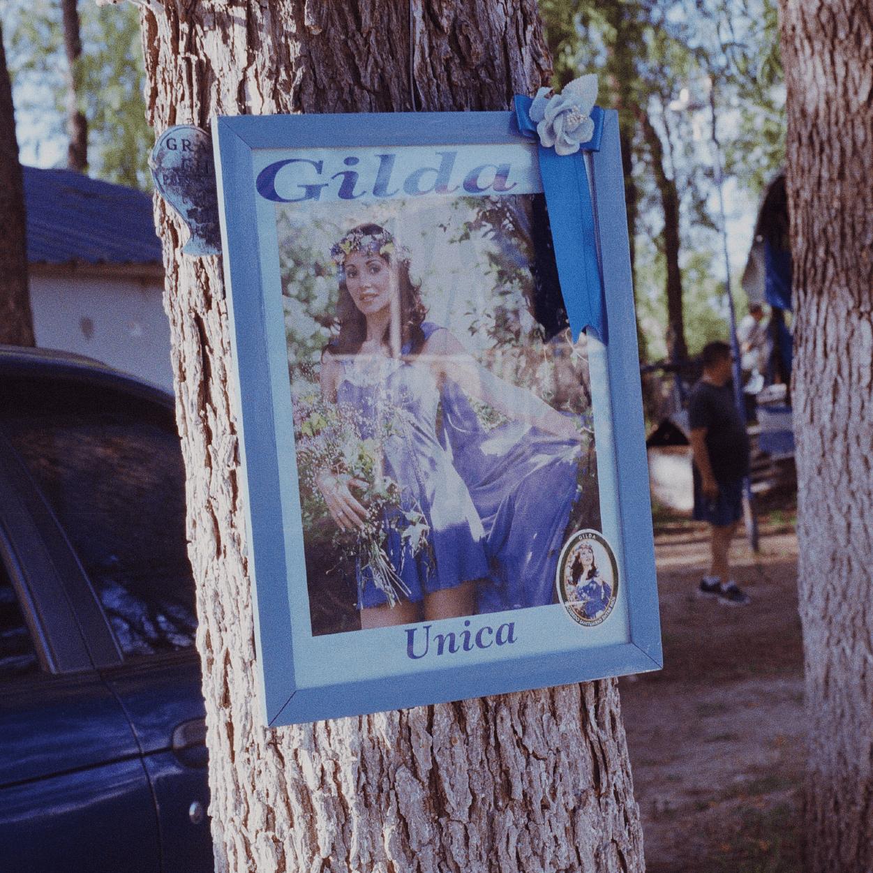 Una tarde en el santuario de Gilda