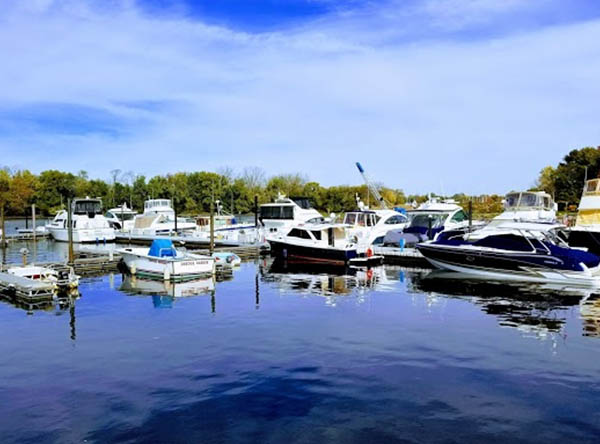 Dredge Harbor Boat Center LLC - Burlington, NJ