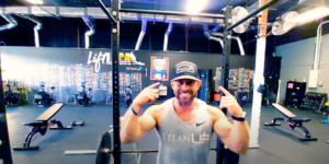 PHOTO OF ANDREW OWNER OF TITAN UP FITNESS JACKSONVILLE TALKING ABOUT A NEW FITNESS MINDSET