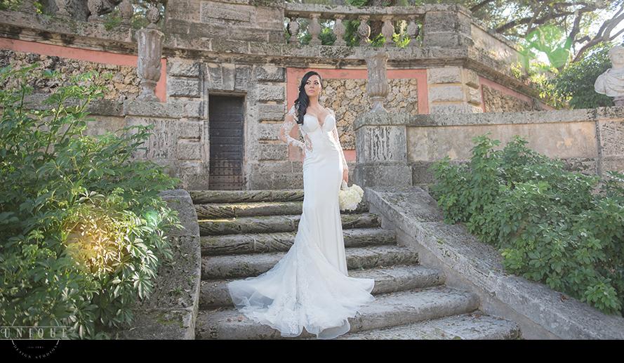 MIAMI WEDDING PHOTOGRAPHY-WEDDING PHOTOGRAPHER-VIZCAYA-BRIDE-GROOM-ENGAGED-27