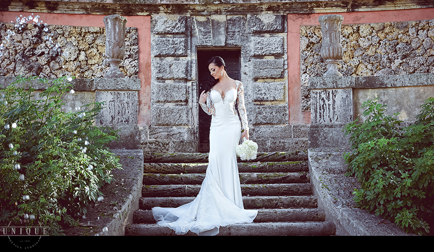 MIAMI WEDDING PHOTOGRAPHY-WEDDING PHOTOGRAPHER-VIZCAYA-BRIDE-GROOM-ENGAGED-33