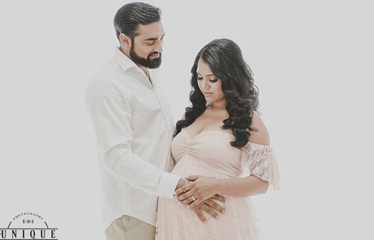 Maternity Photography | Miami Maternity Photographer | Milk Bath
