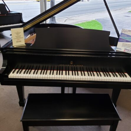 1986 Steinway & Sons Model M 5'7″ Grand Piano