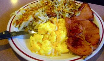breakfast with eggs ham