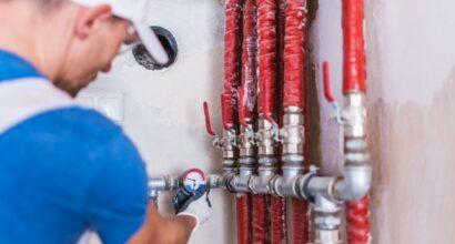 plumber-checking-water-supply_1426-1745