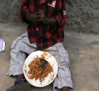 Small child in Democratic Republic of Congo | NFDPC | Donation | Food and clothes