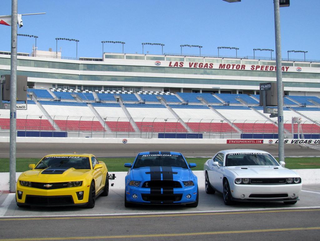 Porque el Ford Mustang y el Chevy Camaro están perdiendo la batalla de los «Mustle cars»