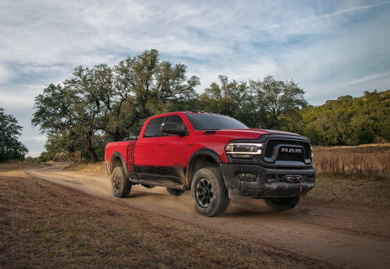 Fiat Chrysler llama a revisión casi 90.000 camiones de servicios pesados de Ram