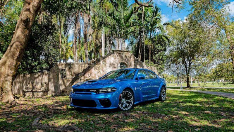 Dodge Charger SRT Hellcat  del 2020 – Prueba de manejo