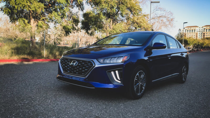 2020 Hyundai Ioniq PHEV Limited – A Prueba!