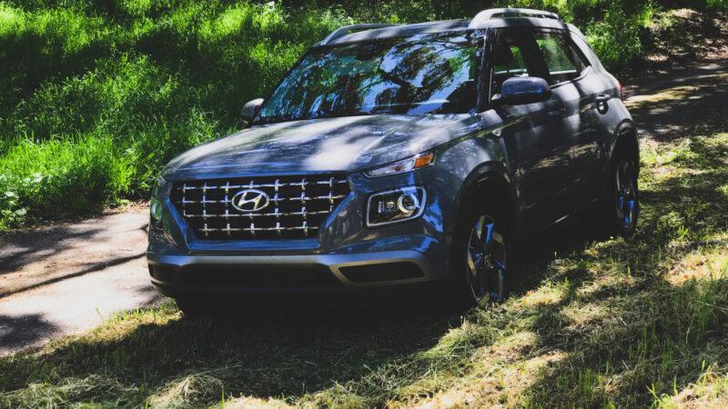 2020 Hyundai Venue SEL. Prueba da Manejo!