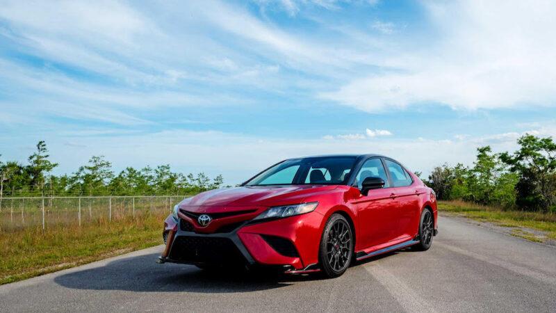 Toyota Camry TRD del 2020 – Prueba de manejo