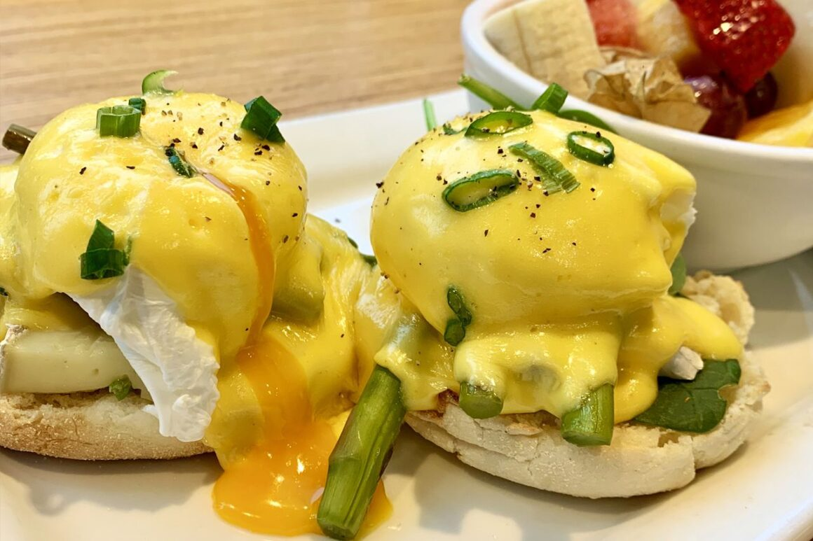 Grilled-Asparagus-and-Double-Cream-Brie-Benny---Arlene-Yang-Noms-Magazine