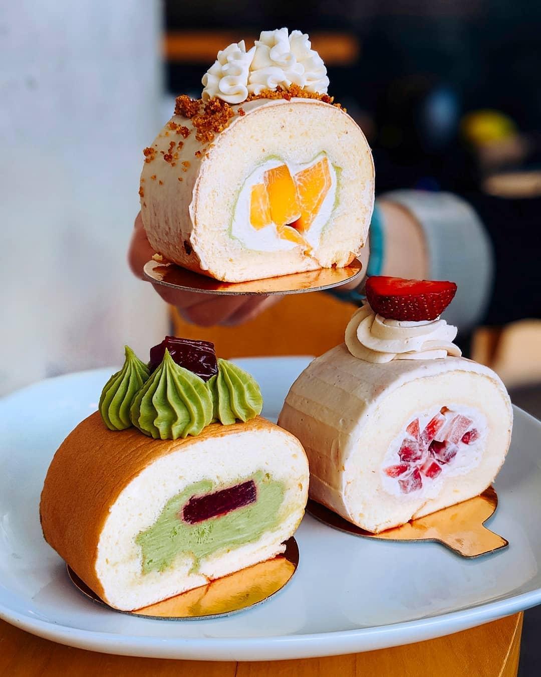 3 roll cakes kaya mango oolong and creme caramel