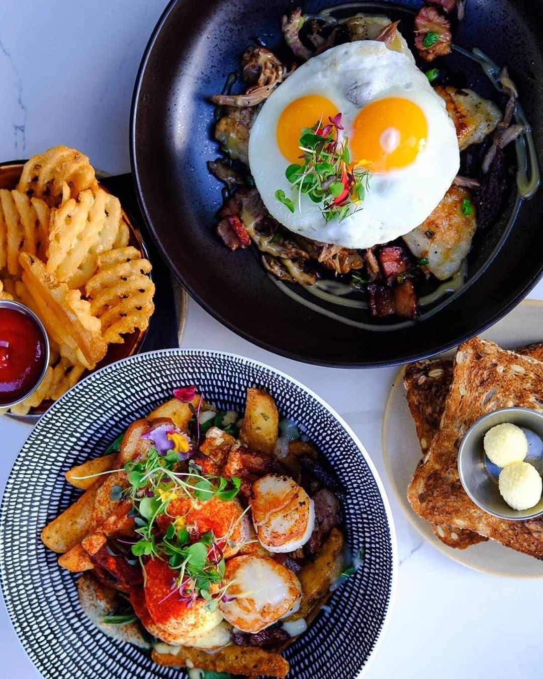 egg benedict brunch bowls