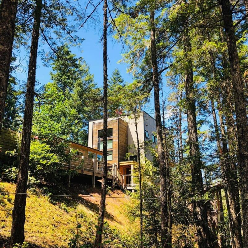 Best airbnb in B.C. secret cove treehouse cottage