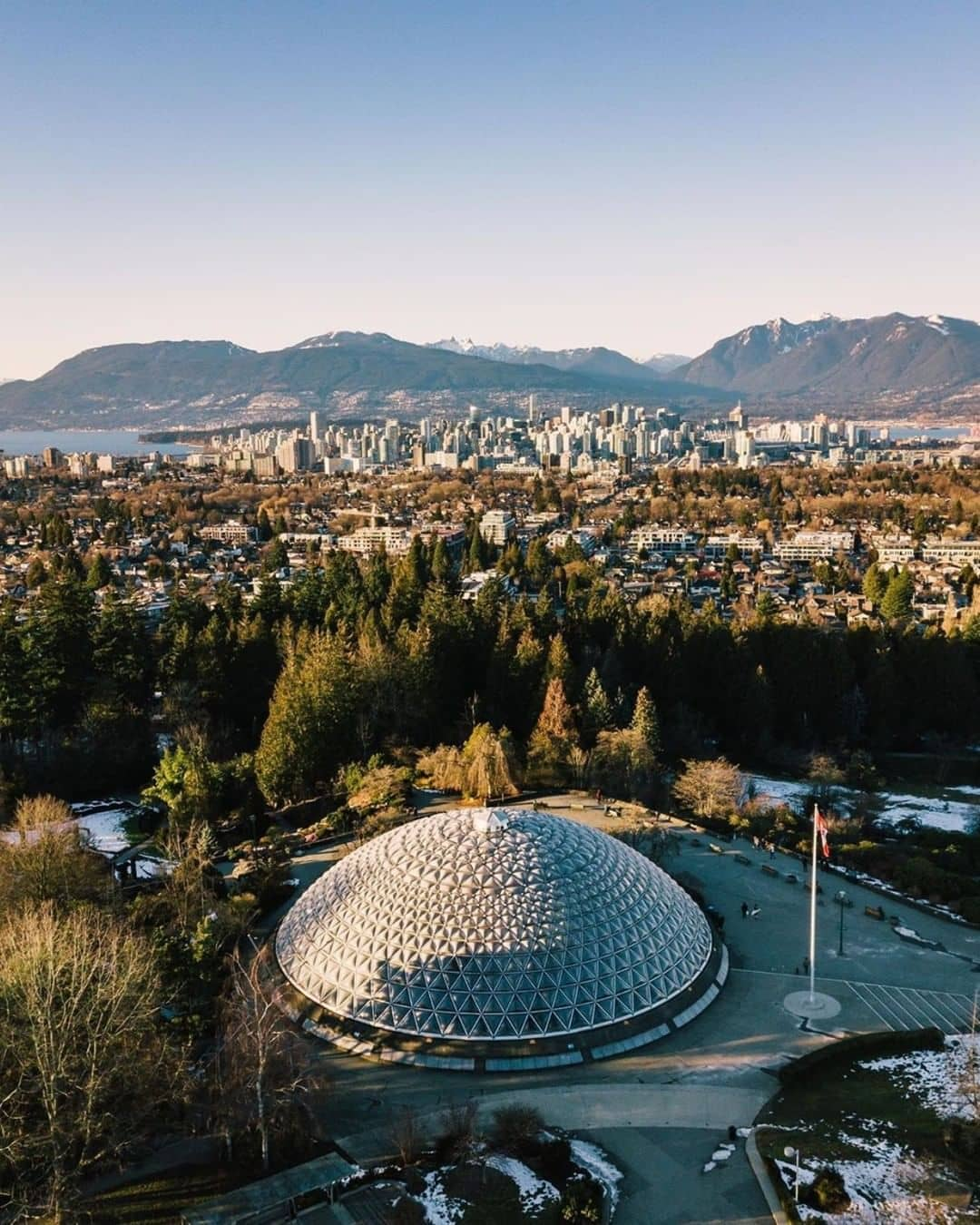 Places to visit around vancouver during spring Queen elizabeth