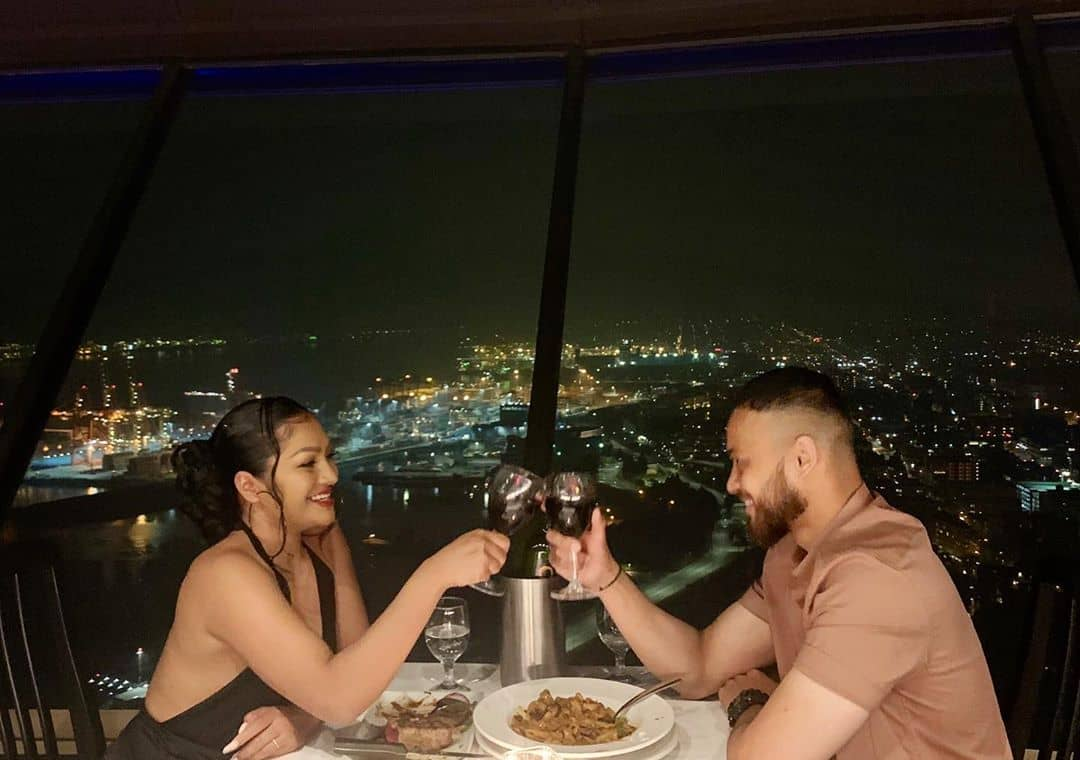 noms mag best date spots in vancouver top of vancouver lookout