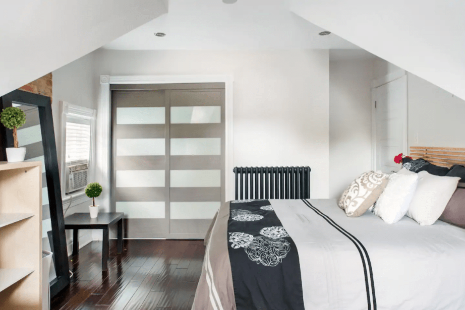 cool toronto airbnbs Boutique Treetops in Serene Downtown