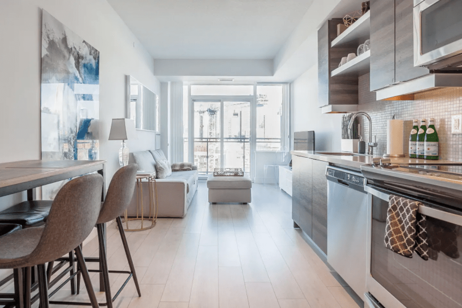 cool toronto airbnbs Lavish Penthouse with CN Tower View