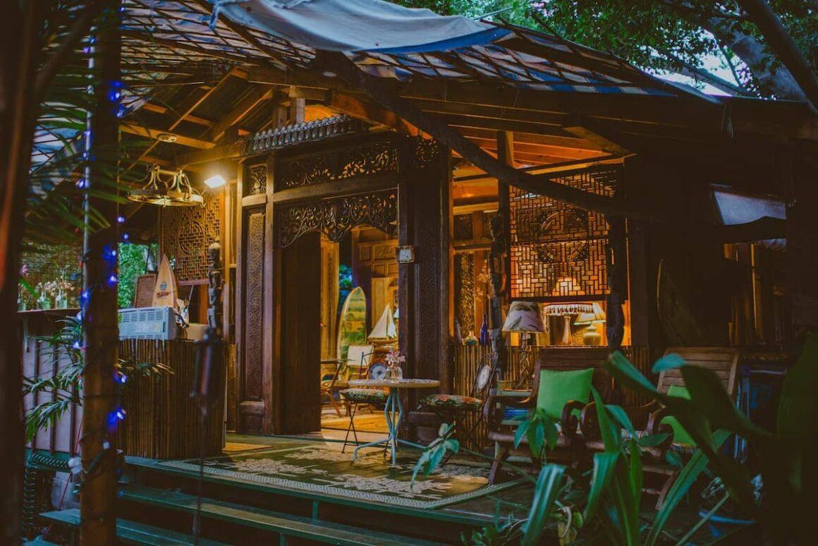 cool airbnb hawaii Kealakekua Bay Bali Cottage