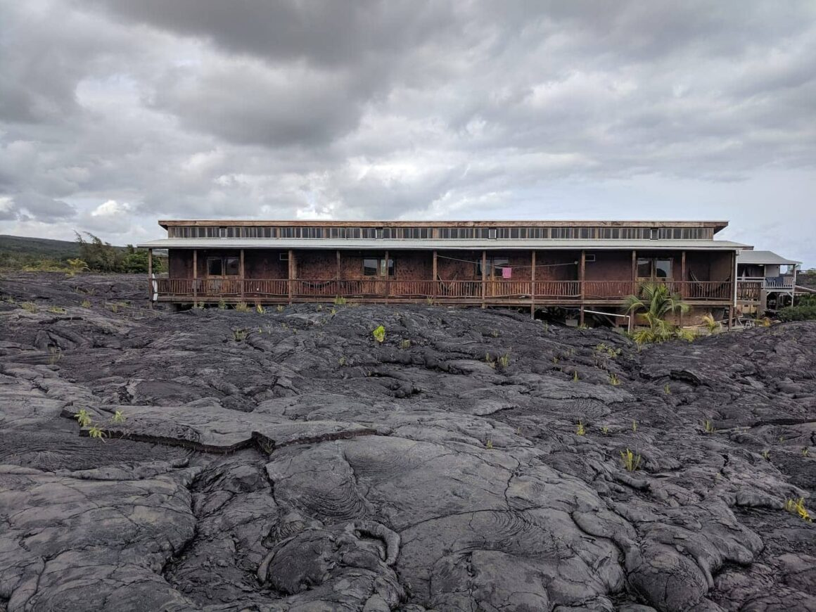 cool airbnb hawaii Lava Lookout
