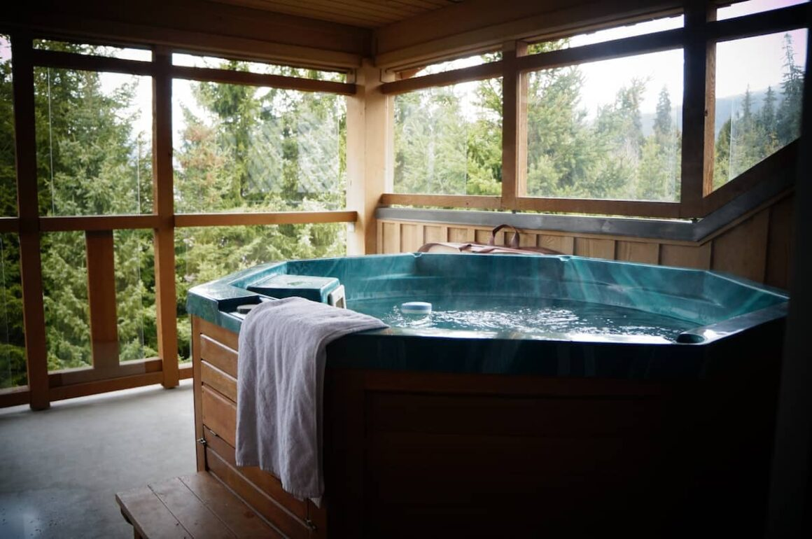 Best airbnb in whistler 1 Bedroom Townhouse with Private Hot Tub and Free Parking