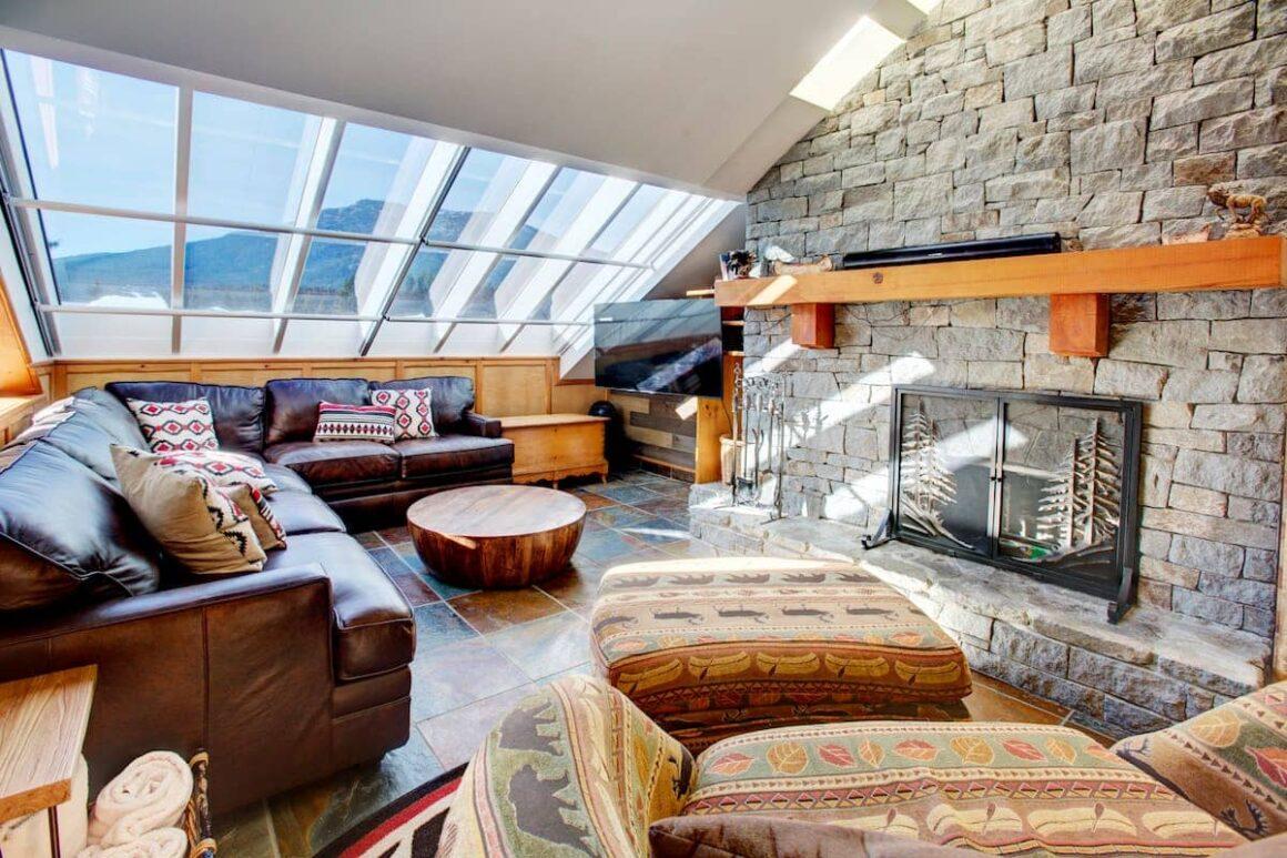 Best airbnb in whistler HEART of Whistler Village PRIVATE HotTub Sleeps 6