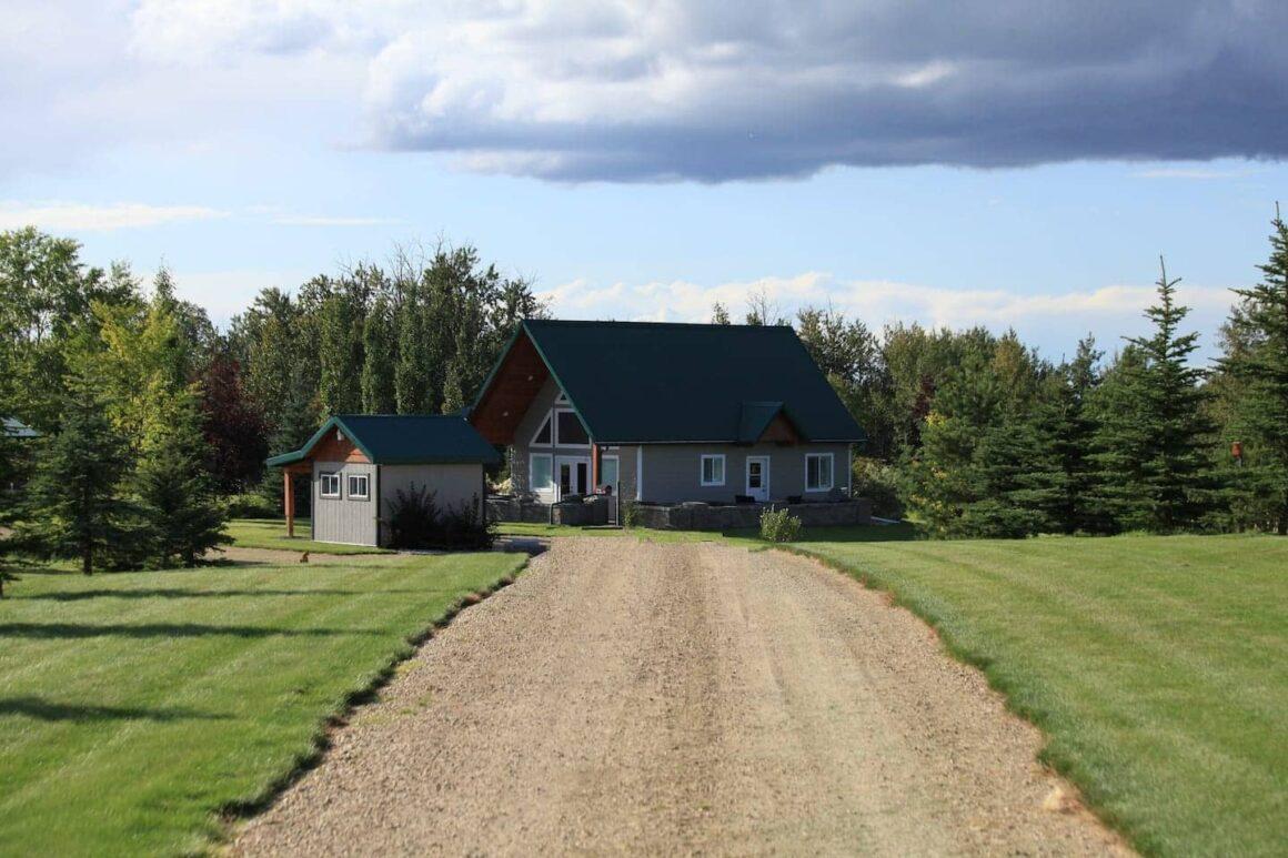 best airbnbs in Alberta Executive Retreat Near Elk Island National Park