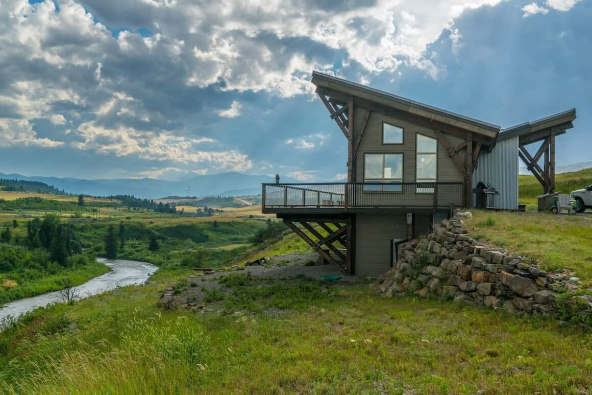 best airbnbs in Alberta Trout Wrangler Lodge Carbondale Room