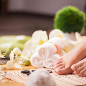 This Pampering 30 Minute Routine to Keep Your Feet Soft & Healthy This Winter Season