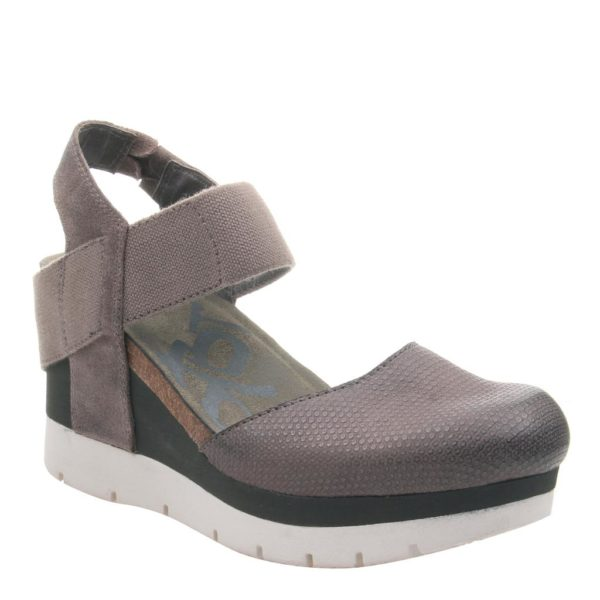 OTBT Carry On Sandal Cinder