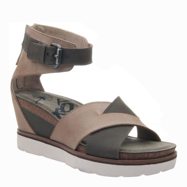 OTBT Teamwork Wedge Sandal Pecan