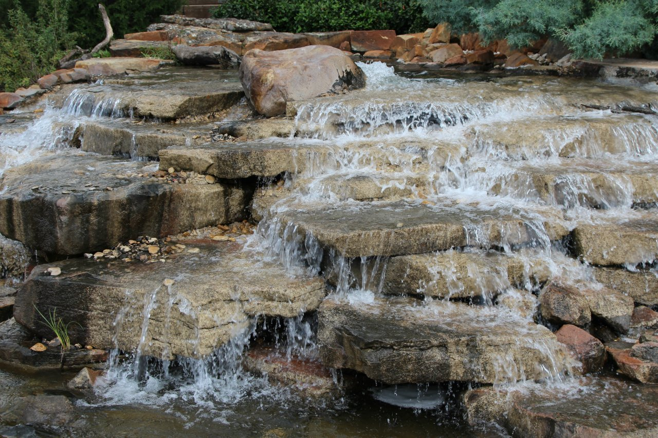 Sandstone fountain boulders water feature