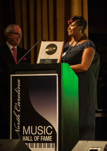 The granddaughter of Nappy Brown accepts his award http://bit.ly/1LCF3Ar
