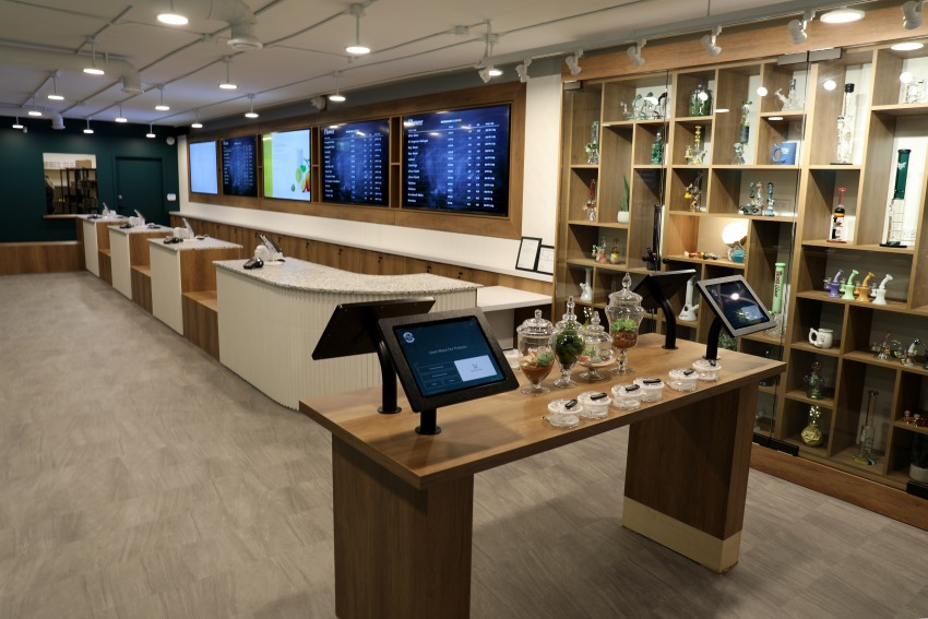 Kelowna Dispensary - Cheeba Cheebas Premium Cannabis Interior