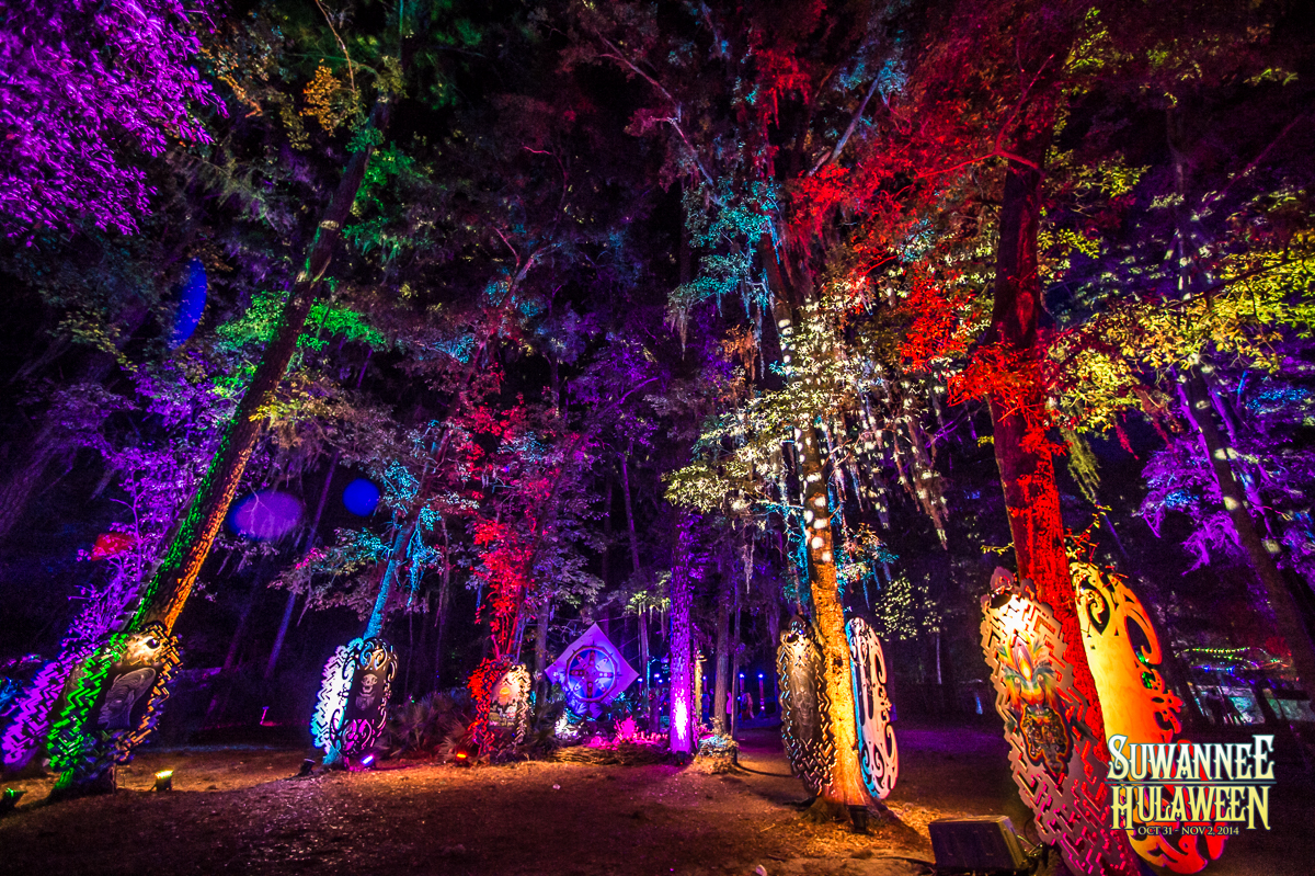 Late Night at Hulaween. Photo by: Josh Timmermans