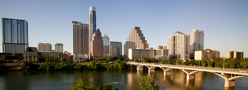 Austin Texas Skyline 2011. Photo by: Ed Schipul / Wikimedia Commons