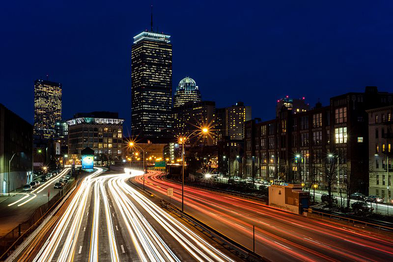 Traffic streaming through downtown Boston. Photo by: Robbie Shade / Wikimedia Commons