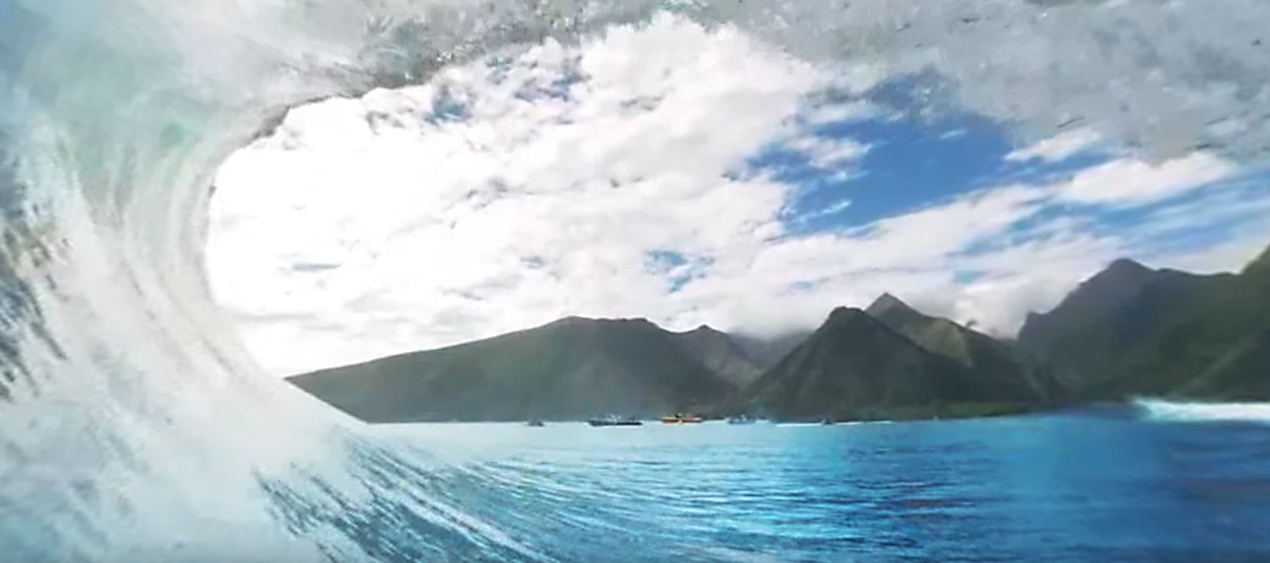 Wave in Tahiti. Photo/Video by: Samsung / Rapid VR / YouTube. Directed by Taylor Steele.